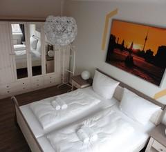 Apartment in Berlin, familienfreund, günstig, zentrale Lage, bis 7 Personen 1