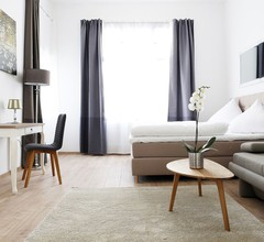 Apartment BLISSE Large & Cozy Family & Business Flair welcomes you - Rockchair Apartments 1