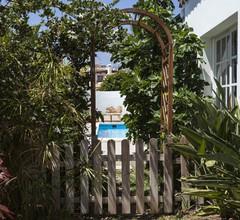 Freistehende Villa mit privatem beheiztem Pool, Garten, Terrasse, 50m zum Meer 2