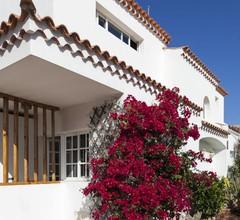 Freistehende Villa mit privatem beheiztem Pool, Garten, Terrasse, 50m zum Meer 1