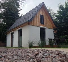 Tiny House im Garten, modern, WLAN, Holzterrasse, ruhige Lage 2