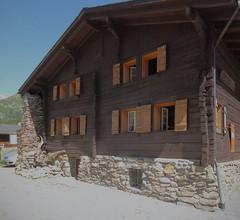 Ferienhaus in der Mitte der Schweizer Alpen 2
