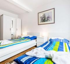 K32 Ferienhaus in Köln Buchheim mit Dachterrasse, kostenloser Parkmöglichkeiten und gratis W-LAN 1