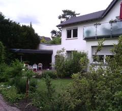 AusZeit Gästehaus mit Terrasse in Airportnähe 2