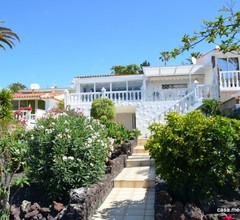 Lichtdurchfluteter Bungalow mit großem Garten, 3 Terrassen, WiFi gegen Gebühr 1