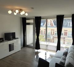 Apartment in Berlin, familienfreund, günstig, zentrale Lage, bis 5 Personen 1