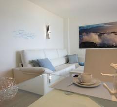 F * Fantastisches Meerblick Appartement direkt am Strand * WLAN und Klimaanlage 1