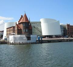 Sonniges 4-Sterne-Ferienhaus in Stralsund, am Tor zur Insel Rügen 1