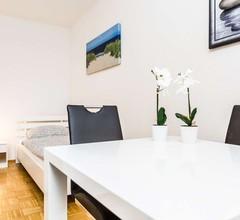 M01 schöne Ferienwohnung in Monheim mit Kostenlose Parkmöglichkeit 1