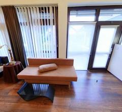 N02 Studio Apartment in Niederkassel 2