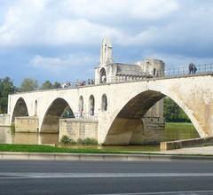 Avignon Town House, Klimaanlage, WiFi, privater Parkplatz, 10 Minuten zu Fuß von der Stadtmauer entfernt 1