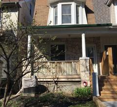 Downtown Familienfreundliches Haus zur Miete in Torontos trendigem Leslieville 1