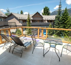 1BR w/Private Rooftop Desk in Whistler Village 2