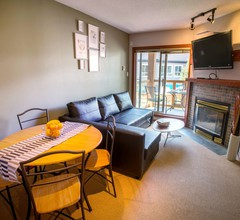 1BR w/Private Rooftop Desk in Whistler Village 1