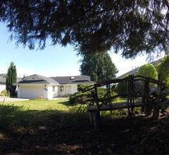 Das Strandhaus liegt neben dem Porpoise Bay Park (Sechelt) 2