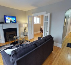 Bright, Clean, Private. In the Heart of Downtown! Parking, Wi-Fi and Netflix included 1