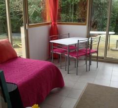 Zwei-Zimmer-Wohnung + möblierte Terrasse Komfort 2
