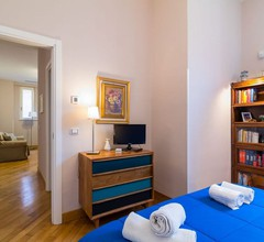 Elegant Flat at Municipio by Napoliapartments 1