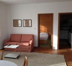 Ruhige Kleinwohnung für 2-3 Personen in Stadtnähe mit Seesicht 1