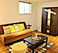 Helle und geräumige Suite in der Nähe des Toronto Airport 2