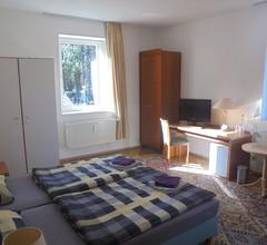 Hotel Zur Sportsbar 2