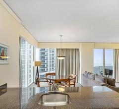 Junior Suite in Privatbesitz mit Blick auf die Bucht im Sunny Isles Beach Resort 2