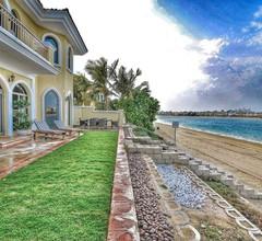 Versace Villa in Palm Jumeirah 1