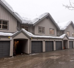 Forest Trails #9 3 Bedroom Cozy Townhome Close to Ski Trails With Parking 1
