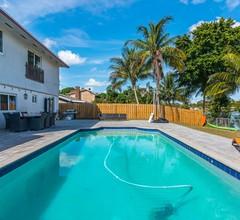 Spaß in der Sonne! Erstaunliches Luxus-Poolhaus am See! 2