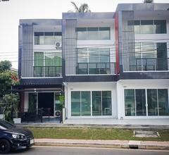 Baan Glur: privates 2-stöckiges Reihenhaus, komplett ausgestattet für Ihre Bequemlichkeit 1