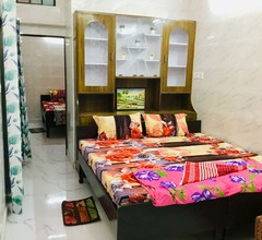 2 Schlafzimmer Set Aastha @ GIP Mall Noida 2