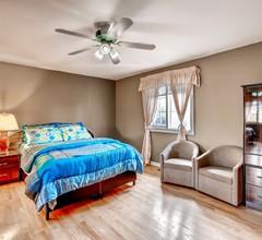 6 Schlafzimmer / 4 Waschräume / Voll ausgestattete Küche / Riesiges Wohn- und Esszimmer auf 3 Morgen in Brampton 1
