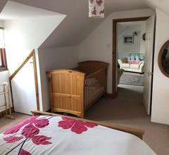 Große 3-Zimmer-Wohnung im 1. Stock in einem malerischen Purbeck Stone Cottage 1
