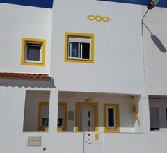 Villa mit 3 Schlafzimmern, 2 Badezimmern und Terrasse. Komplett renoviert 2