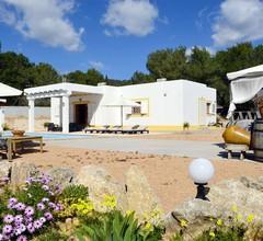 101/5000 Schönes Haus mit Pool, Grillplatz, 5 km von Ibiza, Blick auf die Stadt und 7 km vom Strand 2