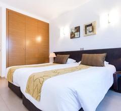 Drei-Zimmer-Wohnung mit privatem Garten und Pool auf dem 5 * Mar da Luz Resort 1