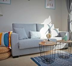 Gemütliche 1 Schlafzimmer Penthouse Apartment nur wenige Gehminuten zum Strand und Geschäften 1