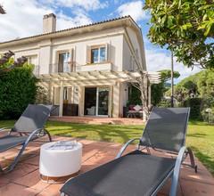 Sea Mountain Villa with Pool close to Barcelona 2