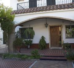 Sevilla liegt Ihnen zu Füßen. Studio in Wohnvilla mit Pool 1