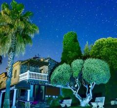 Alleinstehendes Ferienhaus mit W-LAN, Klimaanlage, privatem Pool, Whirlpool, TV, Parkplatz 2