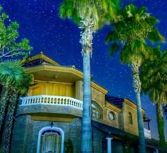 Alleinstehendes Ferienhaus mit W-LAN, Klimaanlage, privatem Pool, Whirlpool, TV, Parkplatz 1