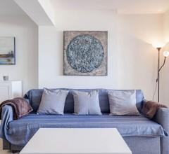 Eden Roc BeachFront Apartments 1