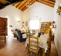 Schönes traditionelles Haus in ländlicher Umgebung 2