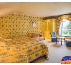 Seaview Villa, Mews & Apartment für 20 Personen. Aussicht auf den Hafen von Glandore 1