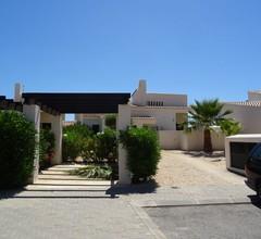 Luxusvilla mit privatem beheiztem Pool, Spielzimmer und Fahrrädern 2