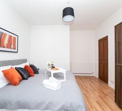 """Klass Living - Cosy Apartment- Bellshill - Book Direct for Best Rates"" 2"