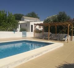 Schöne 3 Schlafzimmer Villa mit privatem Pool im ruhigen ländlichen Andalusien 2
