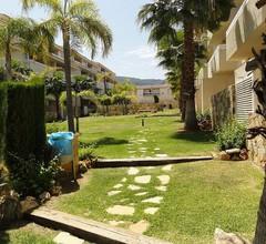 Gartenapartment mit direktem Zugang zu den 2 Pools und Gärten 1