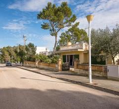 Villa mit großer Terrasse im Schatten der PINIEN 1