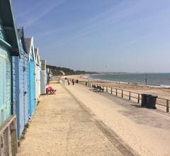 Perfekte Lage für Highcliffe Beach (5 Minuten zu Fuß), Mudeford und den New Forest 2